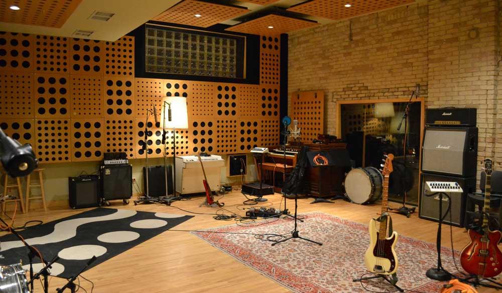 Minneapolis Recording Studio #2: The Terrarium - Recording Space and Instruments